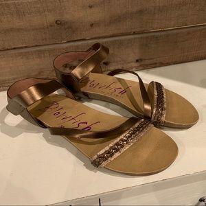 NWOB Blowfish Malibu Sandals Bronze Size 5.5